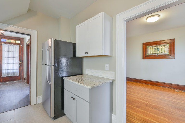 286 E Woodrow Avenue - Stainless steel appliance package