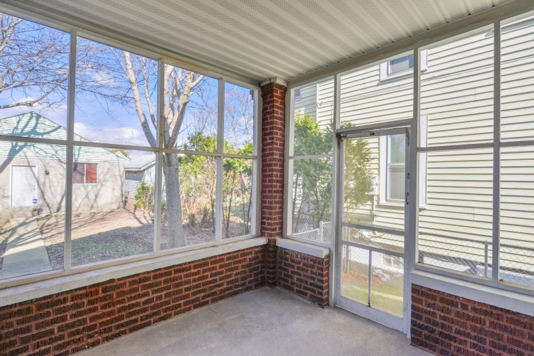 286 E Woodrow Avenue - Screened porch